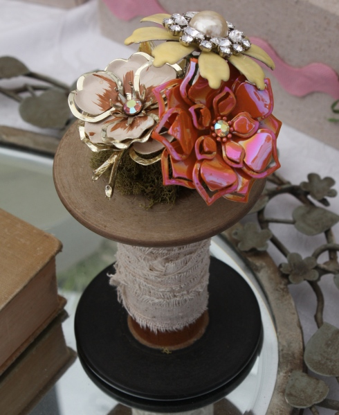 mini brooch bouquet